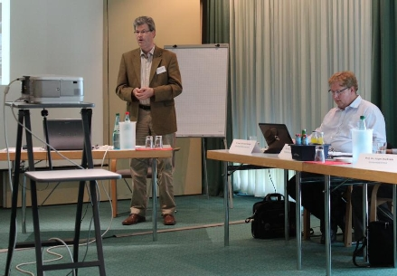 Arbeitsgruppensitzung: Prof. Dr. R. Wrobel und PD Dr. B. Seliger